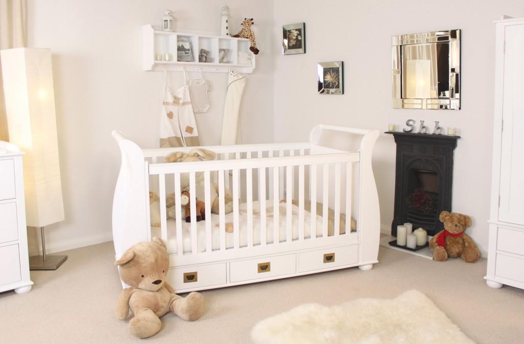Ranjang Bayi Minimalis Putih Modern