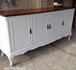 Bufet Ukir Klasik Warna Putih 4 Pintu
