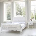 Kamar Tidur Mewah Duco Dengan Jok Putih