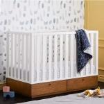 Tempat Tidur Bayi Putih Rustic